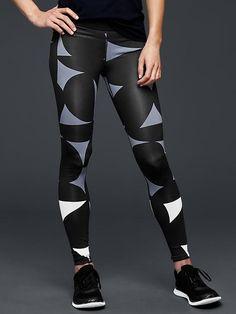 GapFit gFast geo-print leggings