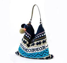 Geanta tricotata de umar cu ciucurasi si maner din piele de fazinee Breslo