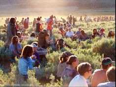 There are occasions where we post things era such as the artists of the and the most famous concert in hippie history- Woodstock! When The World Ends, Rainbow Gathering, Rainbow Family, Hippie Trippy, Hippie Love, Strong Marriage, Woodstock, Dream Life, Natural