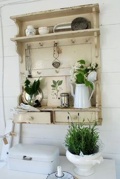 hmm, hubby could build out of salvaged stuff..