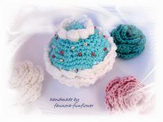 Deko-Objekte -  Cupcake gehäkelt Minze - ein Designerstück von faunora-funflower bei DaWanda