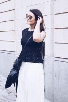 White pleated skirt, black lace top White Pleated Skirt, Black Lace Tops, Summer Wardrobe, Chic, Skirts, How To Wear, Outfits, Clothes, Style