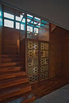 Image 22 of 42 from gallery of TUT House / webe design lab. Photograph by Karthikeyan. Temple Design For Home, Indian Home Design, Design Lab, Pooja Room Door Design, Living Room Tv Unit Designs, Rustic Exterior, Puja Room, Cupboard Design, Dream House Plans