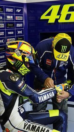 36f0591434 1215 Best  IWantToMeet   Valentino Rossi images