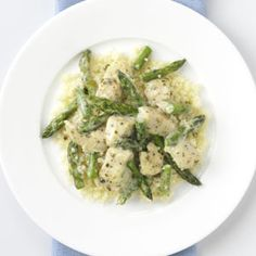 Pesto Chicken & Asparagus Recipe. We had this for dinner and it was FANTASTIC!!