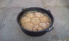Dutch Oven Brot gebacken