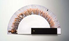 O designer frânces Pierre David, criou o projeto Nuances, onde fotografou 40 estudantes e funcionários de um Museu, cada pessoa variando um pouco a cor de sua pele.O resultado final é fantástico e reflexivo em questões como o preconceito.Eu ví no Mistura Urbana