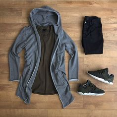 WEBSTA @ kylescropper - Comfy fit for tonight H Cool Outfits, Casual Outfits, Fashion Outfits, Fashion Trends, Casual Wear, Men Casual, Urban Fashion, Mens Fashion, Mein Style