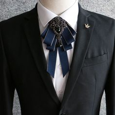 Cheap cravat tie, Buy Quality crystal bow tie directly from China bow tie Suppliers: 2018 Men luxury Formal Business Wedding Party Collar Neck Wear Cravat Tie Accessories Fashion Groom Rhinestone Crystal Bow Tie Look Fashion, Mens Fashion, Fashion Trends, Fashion Tips, Terno Slim Fit, Cravat Tie, Style Streetwear, Brooch Corsage, Brooch Pin