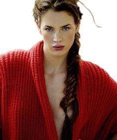 The red sweater. Red Fashion, World Of Fashion, Pantone Red, Knitwear Fashion, We Are The World, Crochet Fashion, Red Sweaters, Cardigans, Shades Of Red