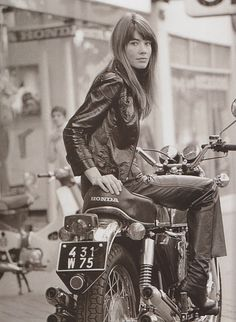 Françoise Hardy, a muse and her Honda.