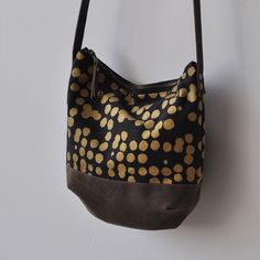 MID DAY BAG - gold dots/wax