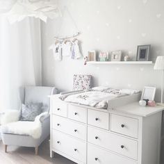 Kinderzimmer Ikea Hemnes Wickeltisch You are in the right place about baby room decor bear Here we offer you the most beautiful pictures about the … Baby Bedroom, Baby Boy Rooms, Baby Room Decor, Baby Boy Nurseries, Kids Bedroom, Ikea Baby Room, Ikea Baby Nursery, Nursery Rugs, Room Kids