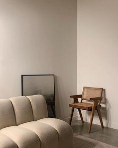 Image via @amee.kim 〰️ Interior Design Inspiration, Home Decor Inspiration, Home Interior Design, Interior Architecture, Interior Decorating, Style Inspiration, Decor Ideas, Interior Colors, Decoration Chic
