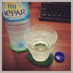 仕事中もこまめに水分補給を。エパーならデスクに置いていてもすっきりおしゃれ。 #HEPAR #エパー