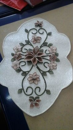 Floral Embroidery Patterns, Lace Patterns, Ribbon Embroidery, Projects To Try, Bows, Sculpture, Quilts, Sewing, My Style