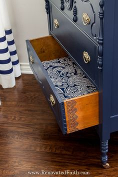 23 Creative Decoupage Ideas that the Whole Family will Adore - DIY and Craft Ideas & Home Decor Navy Furniture, Blue Painted Furniture, Paint Furniture, Repurposed Furniture, Cool Furniture, Furniture Design, Decoupage Drawers, Fabric Drawers, Dresser Drawers