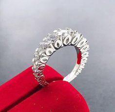 Stunning Source by Wedding Rings Vintage, Wedding Ring Bands, Wedding Jewelry, Love Ring, Ring Designs, Diamond Rings, Jewelry Rings, Jewellery, Marie