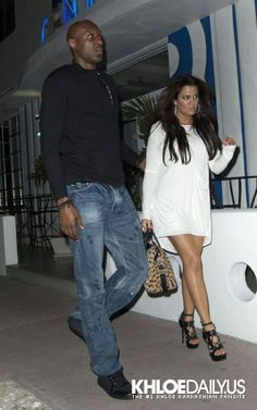 2011 > MARCH 9TH - KHLOÉ AND LAMAR OUT FOR DINNER IN MIAMI