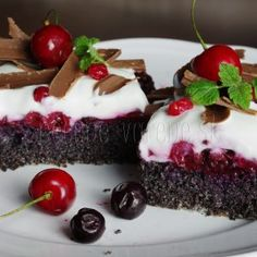 If you are searching for some quick snacks that satisfy your hunger while assisting you adhere to your vegan diet, here are a couple of suggestions that are easy to make and will suppress your junk food cravings. Healthy Cake, Healthy Diet Recipes, Healthy Cookies, Healthy Baking, Low Carb Recipes, Sweet Desserts, Sweet Recipes, Scottish Oat Cakes, Gluten Free Cakes