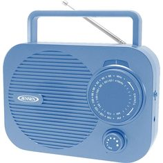 This isn't your standard portable radio. Enjoy static-free audio from your favorite station or play music from other devices like your tablet, iPod or MP3 player using the built-in auxiliary input jack. It's a speaker that go where you go, no matter the adventure. Radios, Broken Heart Syndrome, Cassette, Sand Art, Practical Gifts, Ipod, Cool Things To Buy, Electronics, Green