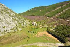 Santuario del Brezo, en plena montaña palentina, lugar muy concurrido el dia de su fiesta 21 de septiembre.