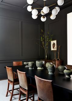 dining room 179158891413109056 - Black walls and a matching dining table help create a masculine sophisticated atmosphere in the dining room. The… Source by colouress Modern Dining, Room Design, Interior, Formal Living Rooms, Home Decor, Room Inspiration, Black Walls, Dining Room Inspiration, Vintage Furniture