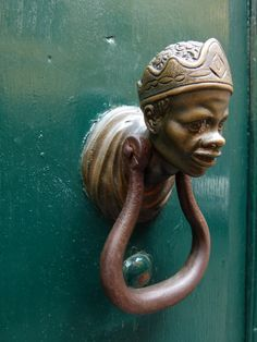 Black female head knocker. Roma Italia