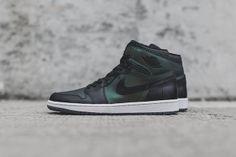 Nike SB x Air Jordan 1 Detailed Images   Complex