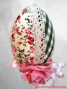 Akademia Rękodzieła BOCIAN: Pisanki Egg Crafts, Bunny Crafts, Easter Crafts, Spring Crafts, Holiday Crafts, Egg Shell Art, Easter Egg Designs, Decoupage, Easter Parade