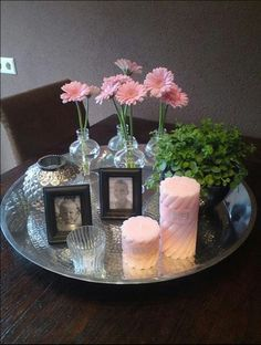 Decoration on tray Coffee Table Vignettes, Decorating Coffee Tables, Marble Candle, Cardboard Box Crafts, Vibeke Design, Sweet Home, Pinterest Home, Deco Floral, Tray Decor