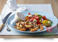 Herb Crusted Prawns with Tomato, Feta and Basil Salad 15 Minute Dinners, Prawn Salad, Gourmet Garden, Cooking Recipes, Healthy Recipes, Healthy Foods, Midweek Meals, How To Cook Fish, Vegetarian Options