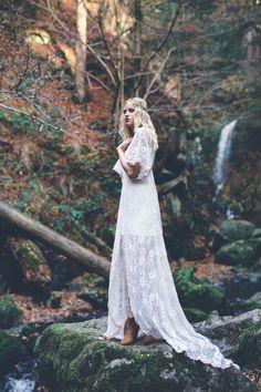 Verborgene Waldhochzeit: Eine Inspiration im Boho-Stil ANNA & ALFRED FOTOGRAFIE http://www.hochzeitswahn.de/inspirationsideen/verborgene-waldhochzeit-eine-inspiration-im-boho-stil/ #boho #wedding #inspiration