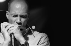 GMQ2-Swiss harmonica player Grègoire Moiret
