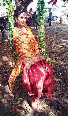 Jaspinder Cheema Dhoti Salwar Suits, Salwar Dress, Punjabi Dress, Shalwar Kameez, Beautiful Suit, Beautiful Girl Indian, Beautiful Indian Actress, Indian Suits, Indian Dresses