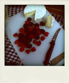 Raspberries, blackberries and Brie for a patriotic July 4th picnic
