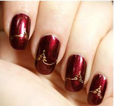 It's got to be Christmassy, right down to your fingernails! Dare to dazzle with deep reds and stunning golds, perfect for the festive season.