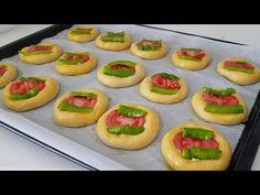 Χωρίς αναμονή! Όχι μαγιά! Πολύ εύκολη συνταγή μίνι πίτσας για πρωινό 👌 #263 - YouTube Mini Pizzas, Mini Pizza Recipes, Cake Recipes, Snack Recipes, Receita Mini Pizza, Turkish Recipes, Ethnic Recipes, Pizza Burgers, Brunch