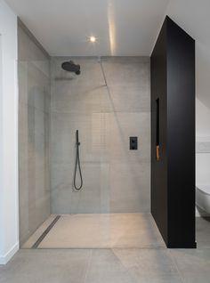 Badkamer grote tegels