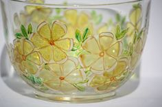 Hand painted glass bowl with yellow flowers. di PapillonGlassArts