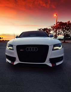 Audi S4 More Dirt Track Racing, Drag Racing, My Dream Car, Dream Cars, Audi Motor, Old Sports Cars, Audi S4, Car Mods, Nissan 370z