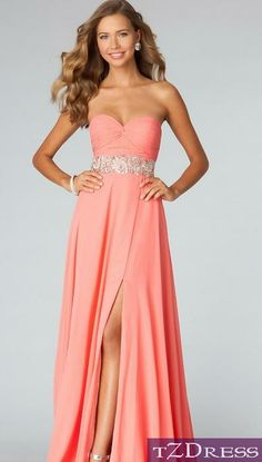 Absolutely love this dress.