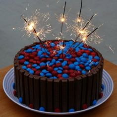Sparklin' 4th of July, Independence KitKat cake! - A Sparkle of Genius