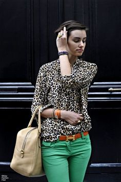 LOVE this outfit. Leopard & green skinny jeans. That Hermes belt is to die for!