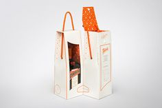 Cointreau Limited Edition Pack on Packaging of the World - Creative Package Design Gallery