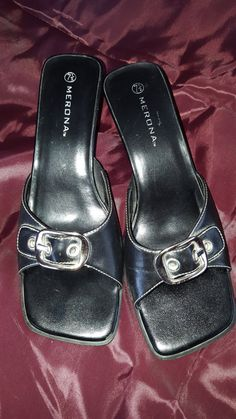 1990s Vintage Black Mules Merona Slip on Sandals Shoes size 7 1/2 Minor Wear  - On Clearance Now