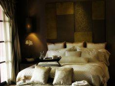 30 Incredible Romantic Bedroom Ideas - SloDive