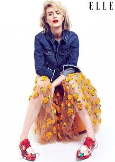"""""""Orange Is The New Black"""" actress Taylor Schilling in mismatched florals and denim for Elle Canada"""