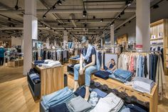 Fashion House Leffers, Wilhelmshaven (Germany) #fashion #retail #lighting #led #beleuchtung #licht