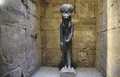 Sejmet, la diosa leona. Estatua de Sejmet en Karnak